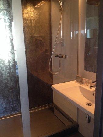 WestCord Fashion Hotel Amsterdam: Bathroom