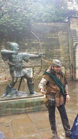 Nottingham Robin Hood Town Tour: Robin Hood Statue @ Nottingham Castle