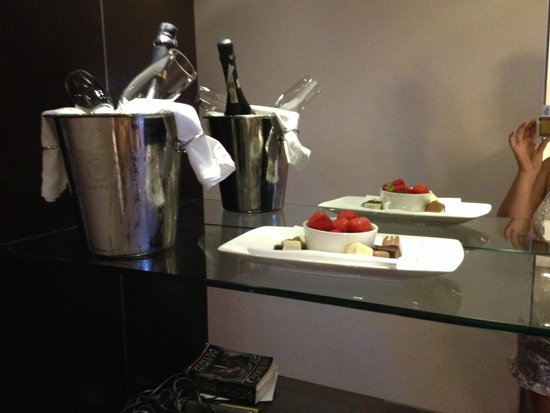WestCord Fashion Hotel Amsterdam: Compliments from the hotel :)