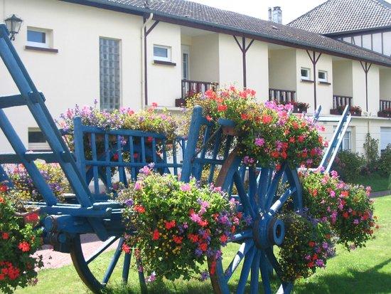 Hotel-Restaurant de Tesse : Le Jardin...