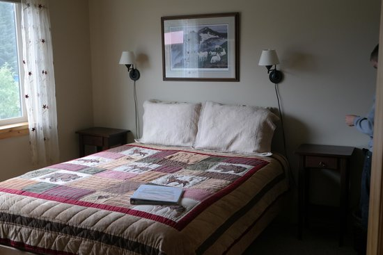Bay Avenue Bed and Breakfast: Our room