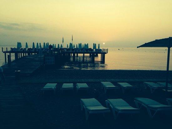 Barut Kemer : Sunrise on Kemer beach