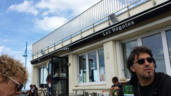 Les Regates : Très bien service correcte terrasse intérieur vu sur la mer. Après le repas rien de tel pour une