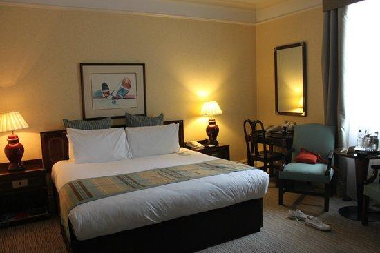 St. James' Court, A Taj Hotel : Bedroom