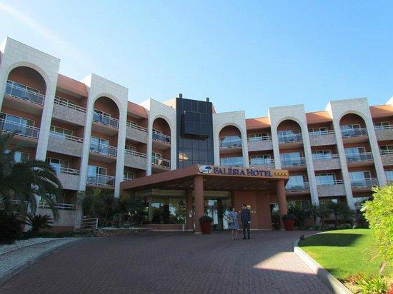 Falesia Hotel: La facade