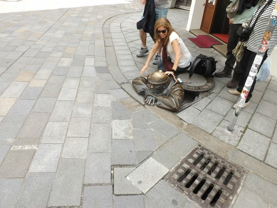 Cumil : Чумил, облепленный туристами