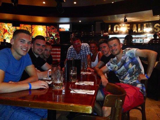 Hard Rock Cafe Sharm El Sheikh : The prudhoe crew