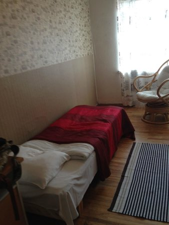 OldHouse Hostel : Single room in the guest house