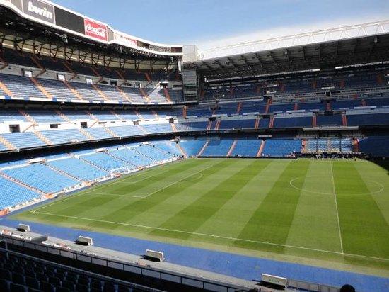 Estadio Santiago Bernabéu: El escenario