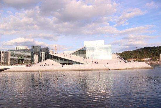 The Norwegian National Opera & Ballet : Корабль на воде