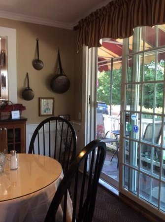 Foxberry Inn: the breakfast room