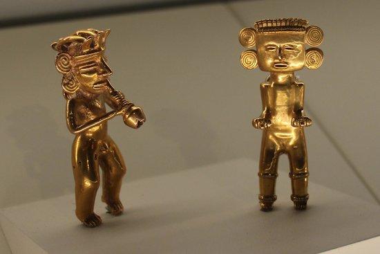 Museo del Oro Precolombino: Gold figures