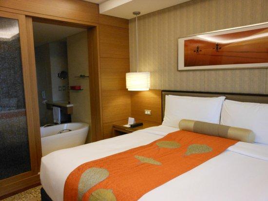 InterContinental Saigon Hotel: La tina que se conecta con la habitación
