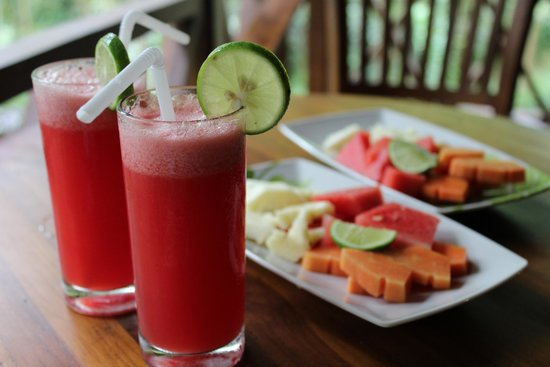 DD Ubud Villa: Awesome Welcome drink and fruits