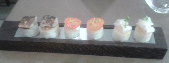 Sa-Qua-Na : mise en bouche riz croustillant sardine, tomate, lard