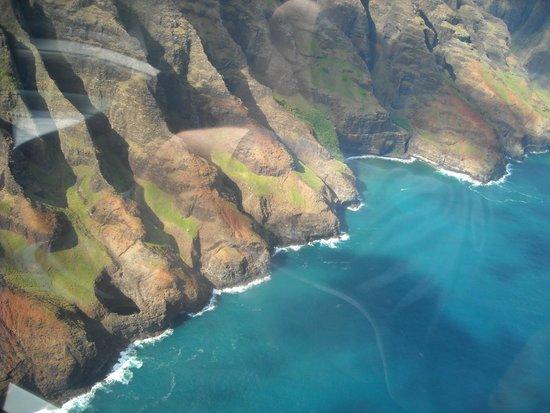 Blue Hawaiian Helicopters - Kauai: NaPali