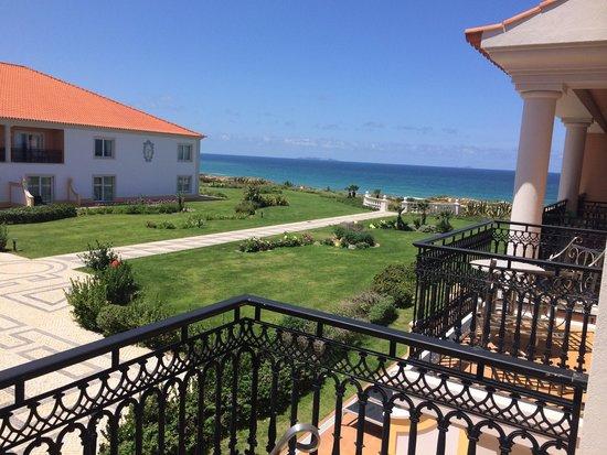 Praia D'El Rey Marriott Golf & Beach Resort: Ocean view from the balcony