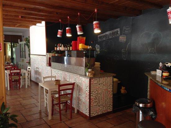 Dorno, Italia: Peter's... il forno per gli hamburger
