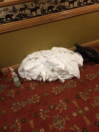Westgate Park City Resort & Spa: Sheets filled the hall until 6 pm