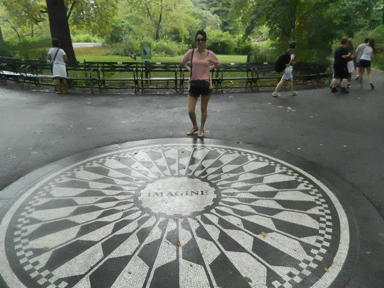 Strawberry Fields, John Lennon Memorial: central