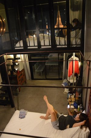 Inn A Day: Upstairs and downstairs