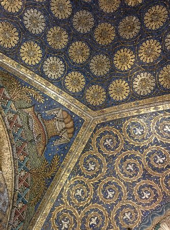 Aachen Cathedral (Dom): Mosaic ceilings in the Aachen dom