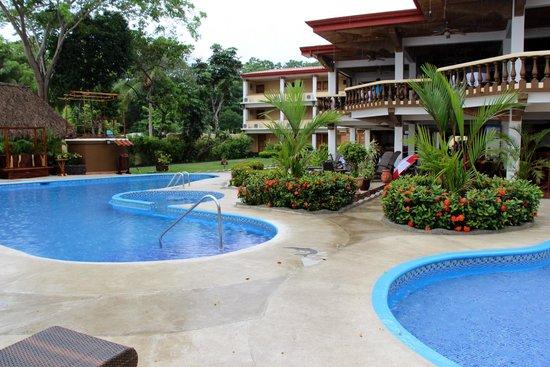 Jaco Laguna Resort & Beach Club: Nice grounds