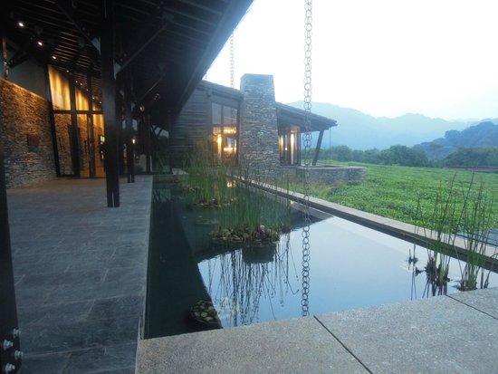 Nyungwe Forest Lodge: l'entrée du bâtiment principal