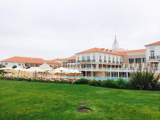 Praia D'El Rey Marriott Golf & Beach Resort: Play/ excersise area on the grass