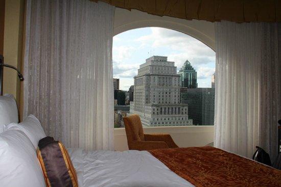Marriott Chateau Champlain: belle vue de la chambre