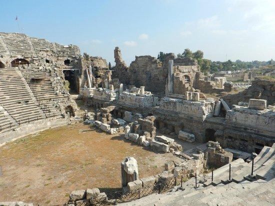 Amphitheater - Photo de Greek Amphitheater, Side - TripAdvisor
