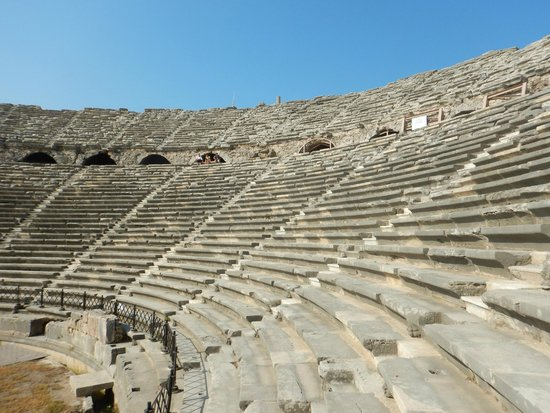 Greek Amphitheater : Amphitheater