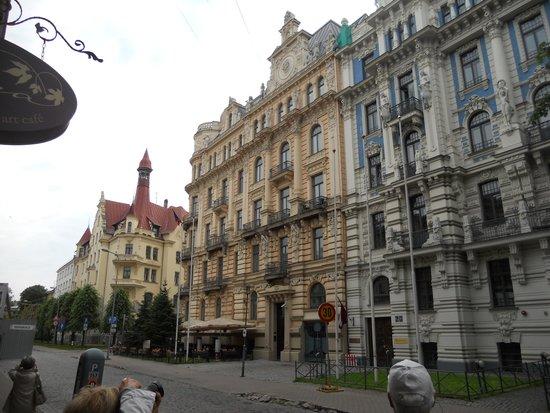 Old City Riga (Vecriga): strade intere con edifici stile liberty