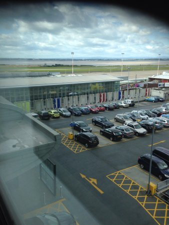 Hampton by Hilton Liverpool/John Lennon Airport: Airport Hotel