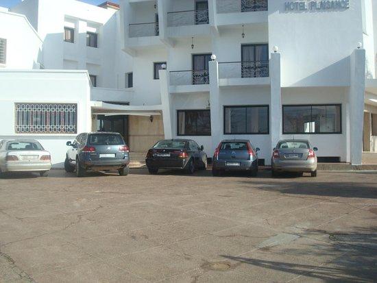 Hotel Plaisance: Parking sécurisé
