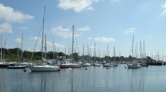 Hurst End Bed & Breakfast: Lymington Harbour