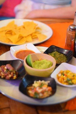 Taco Beach Grill: Guacamole & tortilla chips