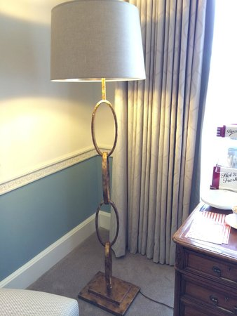 Claridge's : Beautiful lamp