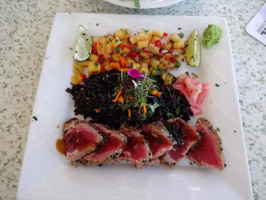 C-Level Lounge : Everything Crusted Ahi