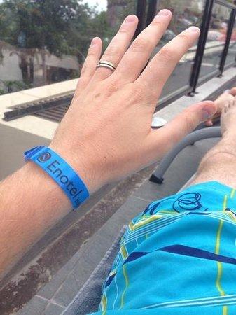 Enotel Lido Madeira : avec ce bracelet TOUT est compris TOUT le temps