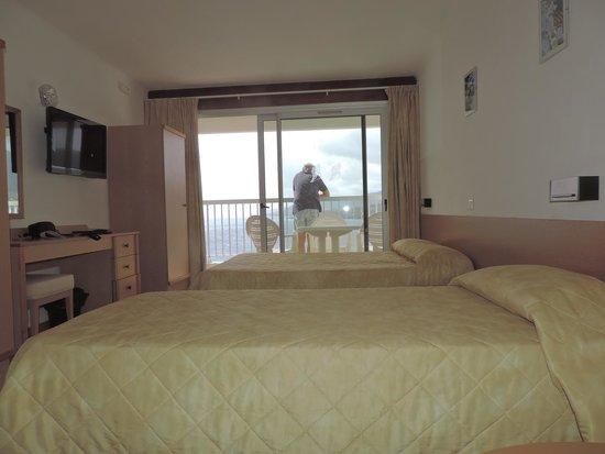 Hotel Roc e Mare: chambre familiale