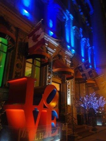 LHotel: hotel at night