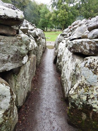 Clava Cairns: inside one of the cairns