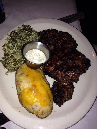 JK's Restaurant : Famous prime rib, yummy!