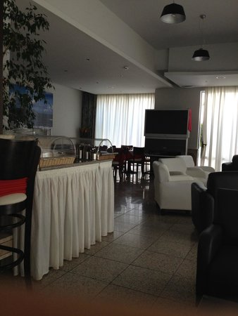 Paritsa Hotel: Sala dove si fa la colazione