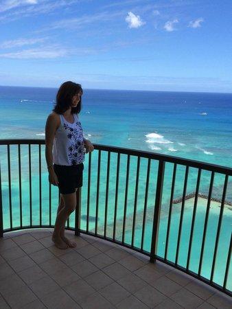 Hilton Hawaiian Village Waikiki Beach Resort: The ocean as seen from Rainbow Tower