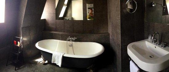 Jardin de Neuilly : salle de bain