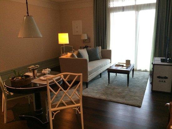 Oriental Residence Bangkok: The living room