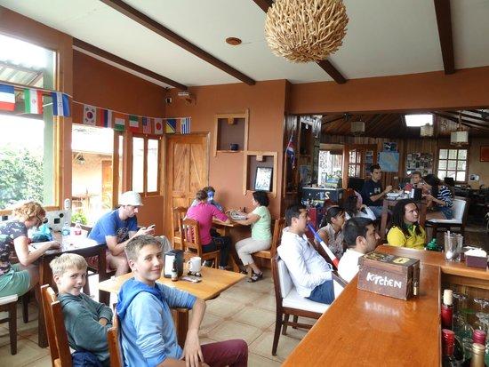 Camino Verde Bed & Breakfast Monteverde: Aufenthaltsraum/ Esszimmer