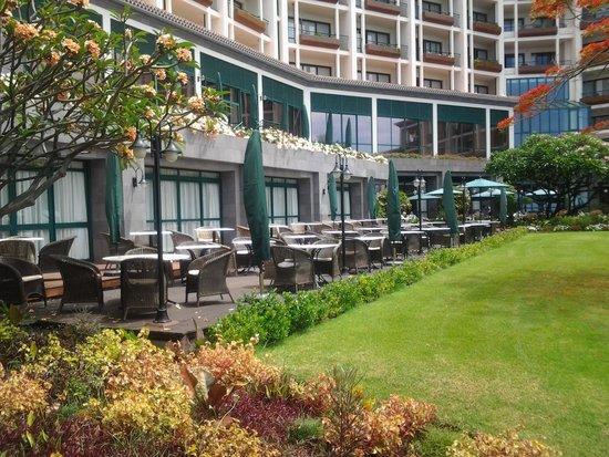 Hotel The Cliff Bay: Frühstücksterrasse